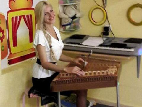 Музыкальная студия СТРУНКА - обучение игре на цимбалах